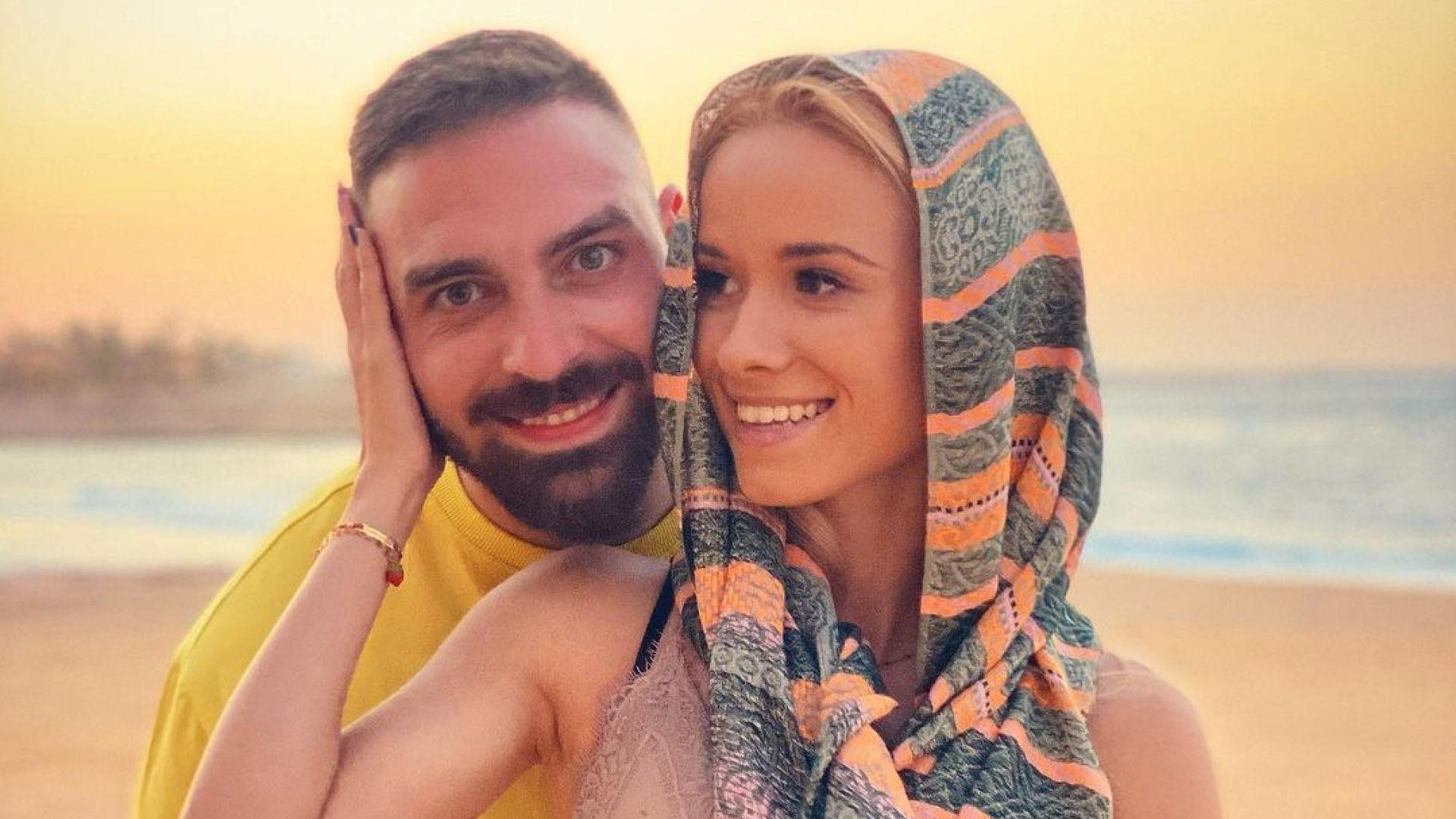 """Тото от """"СкандаУ"""" заведе любимата си на романтична почивка в Египет"""