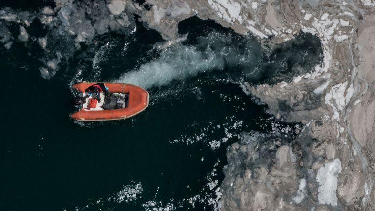 Морската слуз, която се превърна в напаст за Мраморно море,