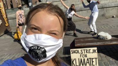 Грета Тунберг подновява петъчните си протести пред шведския парламент