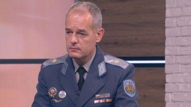 """Командирът на база """"Граф Игнатиево"""": Майор Терзиев имаше под 13 ч. нальот за 2021 г."""