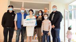 Български професор дари 100 000 лв. на център за деца с аутизъм в Плевен