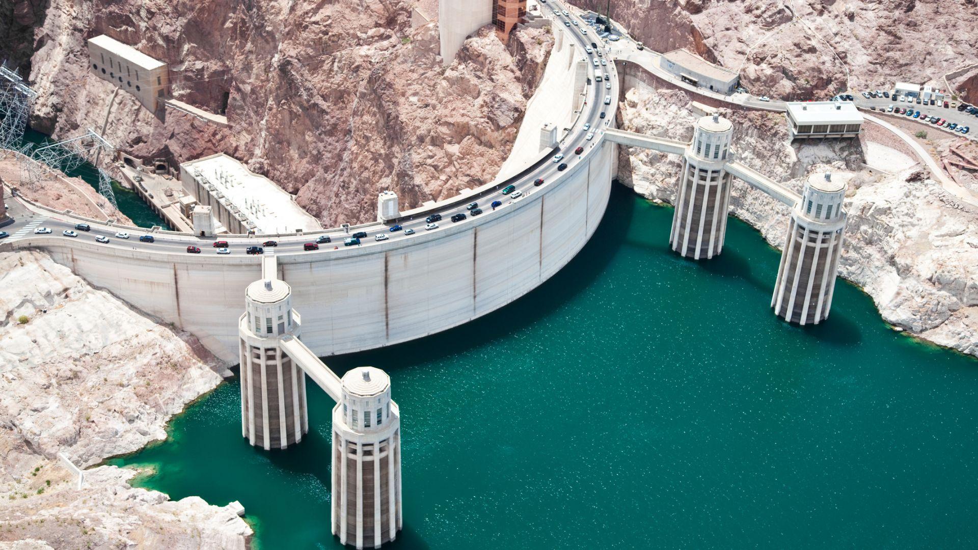 Най-големият язовир в САЩ - с рекордно малко вода заради сушата