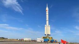 """Китай подновява пилотираните космически полети с """"Божествен кораб"""""""