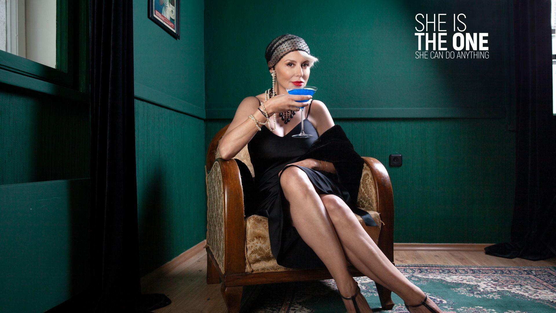 Тя, Стефания Колева: Трябва да си малко вещица, за да въвличаш другите в историята ти!