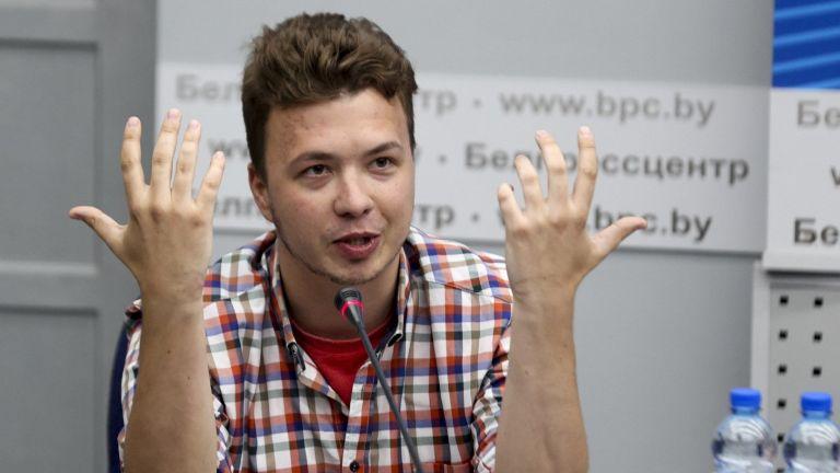 Задържаният беларуски журналист Роман Протасевич заяви днес, че не е