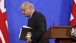 Борис Джонсън отложи разхлабването на ограниченията с месец - за 19 юли