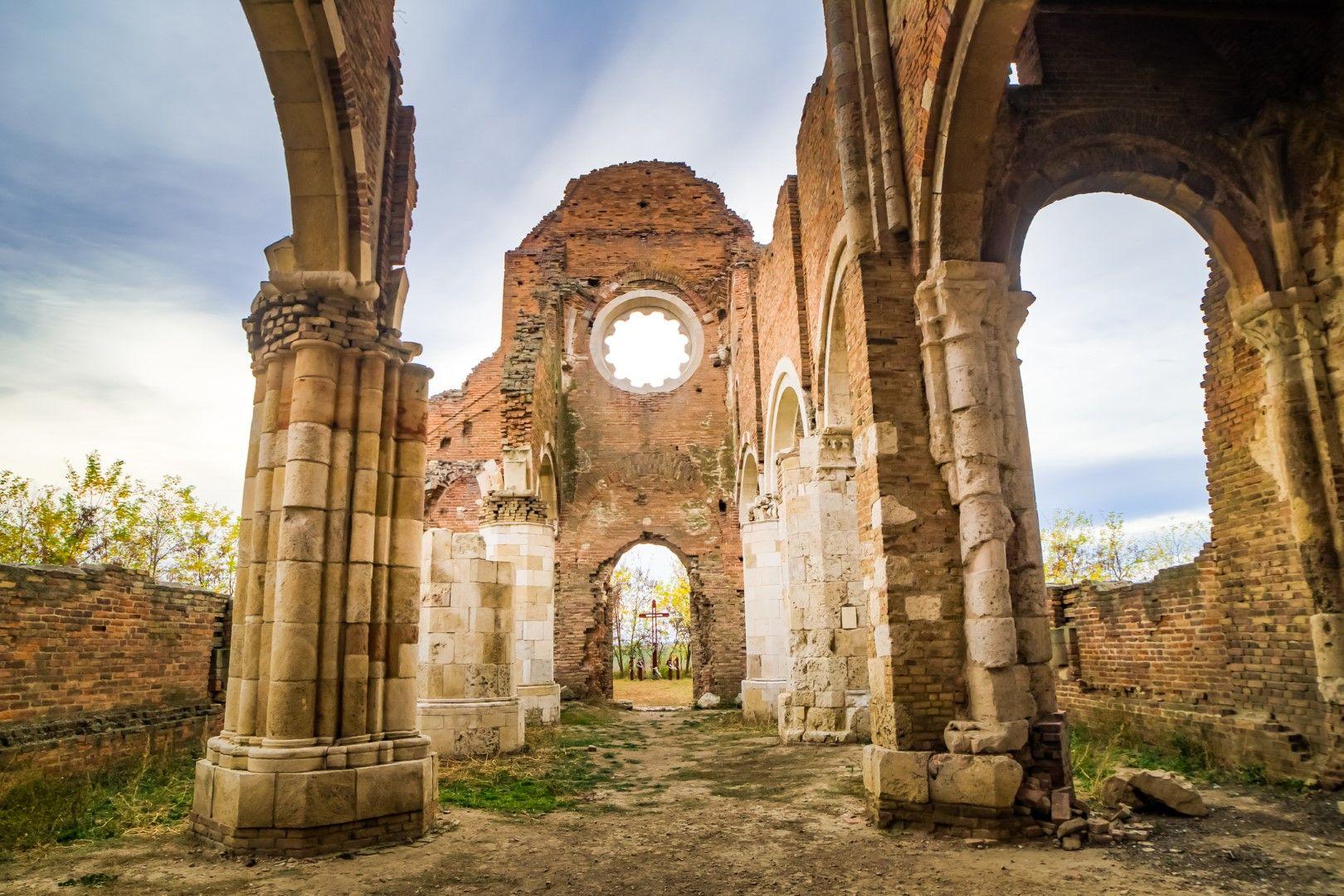 Църквата Арача