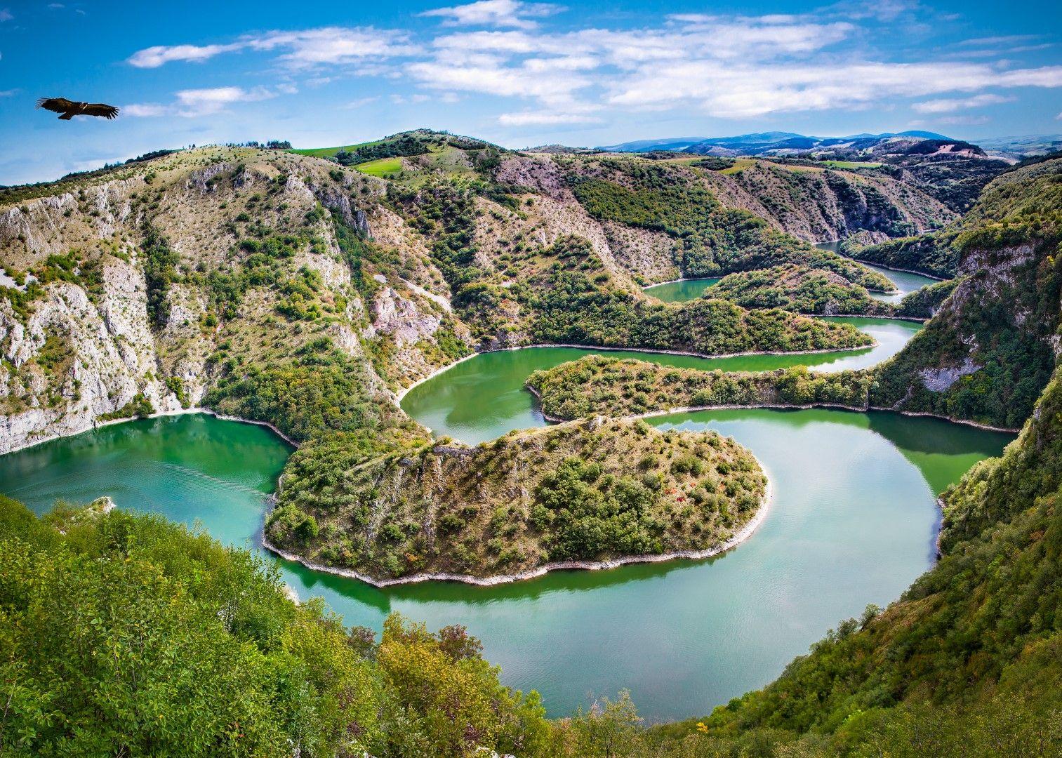 Меандрите на езерото Увац
