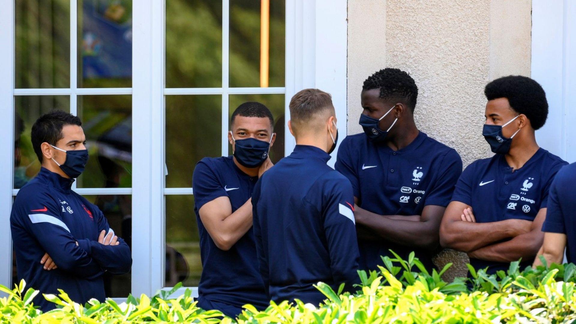 Кой с кого и кой срещу кого в лагера на французите?