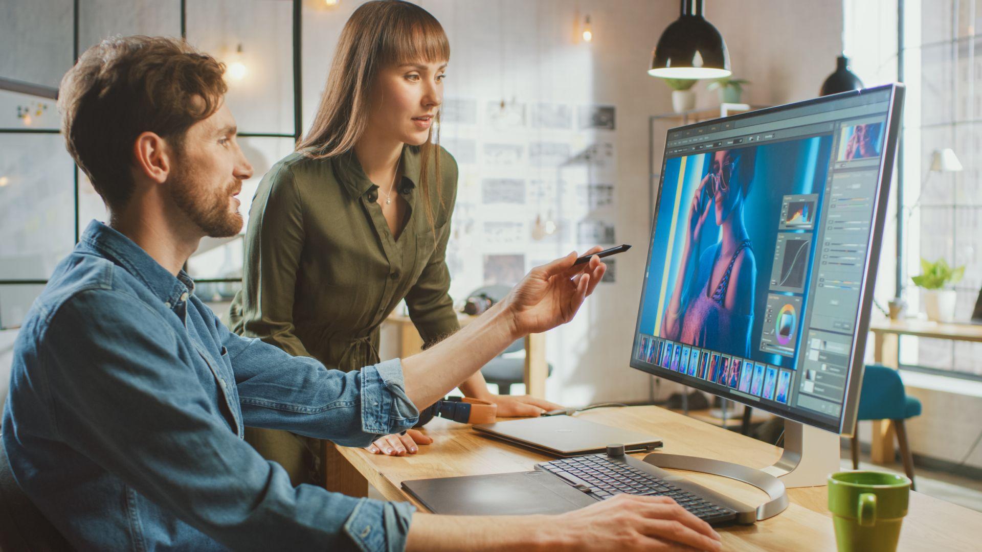Пълното sRGB покритие е важно, ако ползвате дисплея за работа