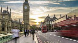 Великобритания закъса за работници - европейци вече не искат да работят там