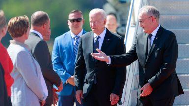 Байдън пристигна в Женева за срещата си с Путин, преди това говорил с Радев (снимки)
