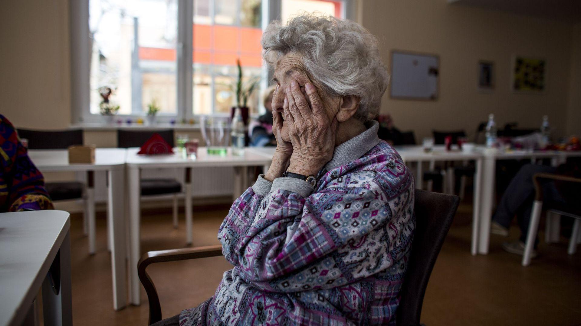 Обявиха какви са основните симптоми, свързани с появата на деменция