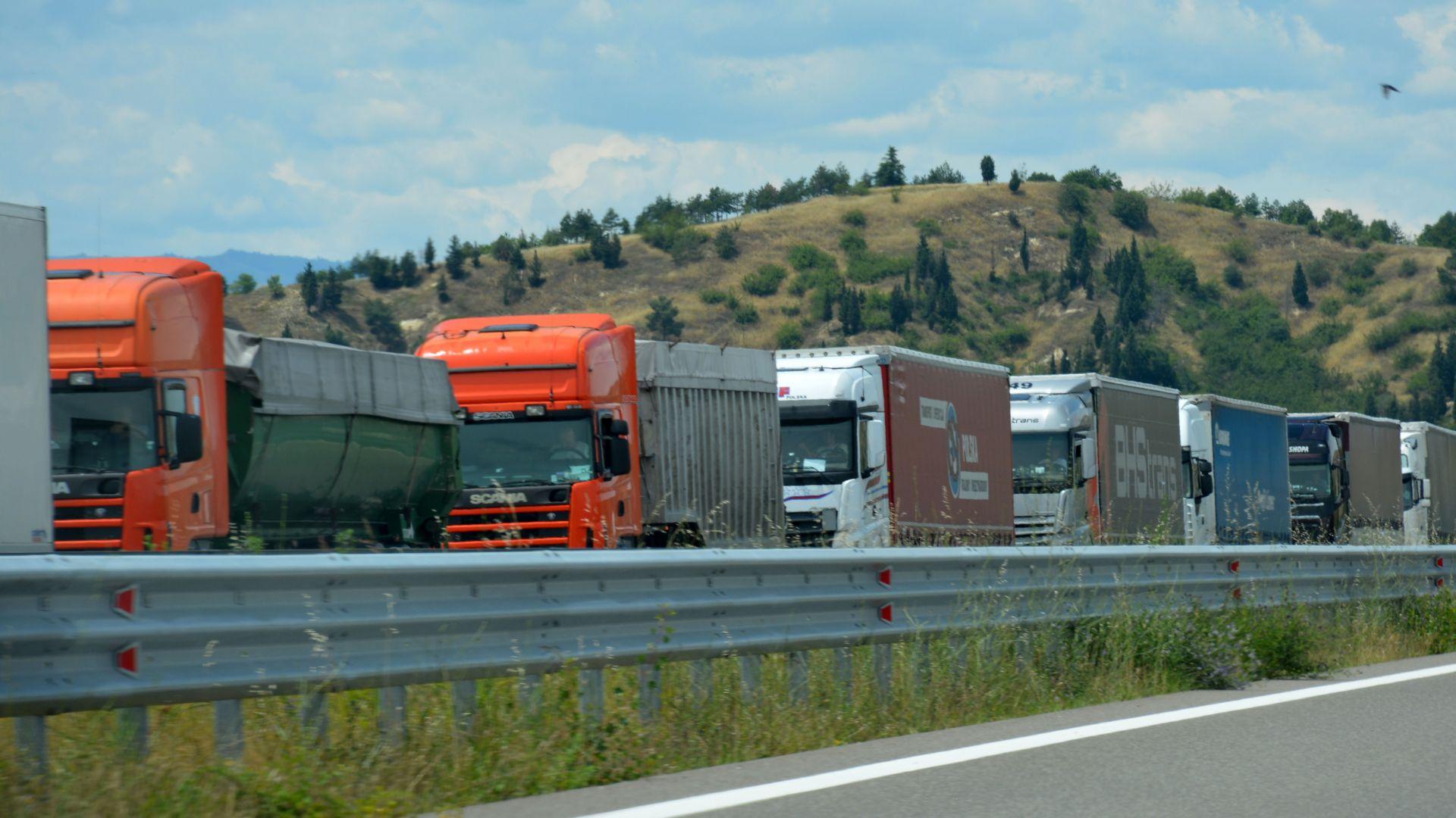 Великобритания забранява камионите с ДВГ от 2040 г.