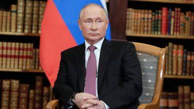 Путин се самоизолира след установен случай на Covid-19 в обкръжението му