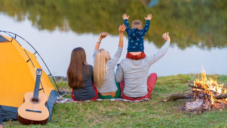 5 начина да не полудеете на първия си къмпинг с деца