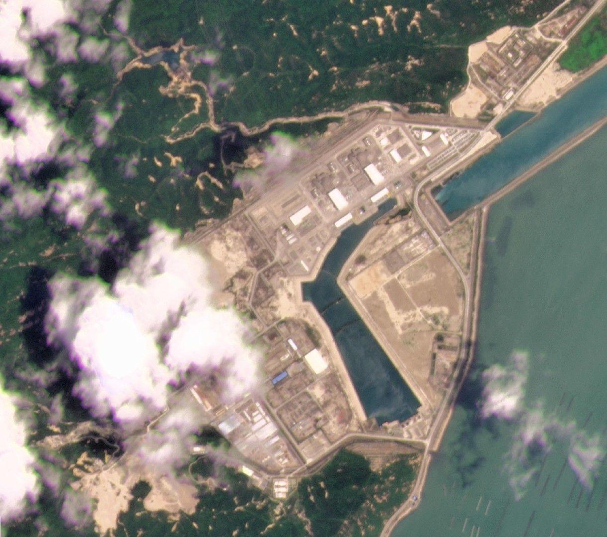Сателитна снимка, предоставена от Planet Labs Inc., която показва атомната централа Тайшан в провинция Гуандун, Китай на 8 май 2021 г.