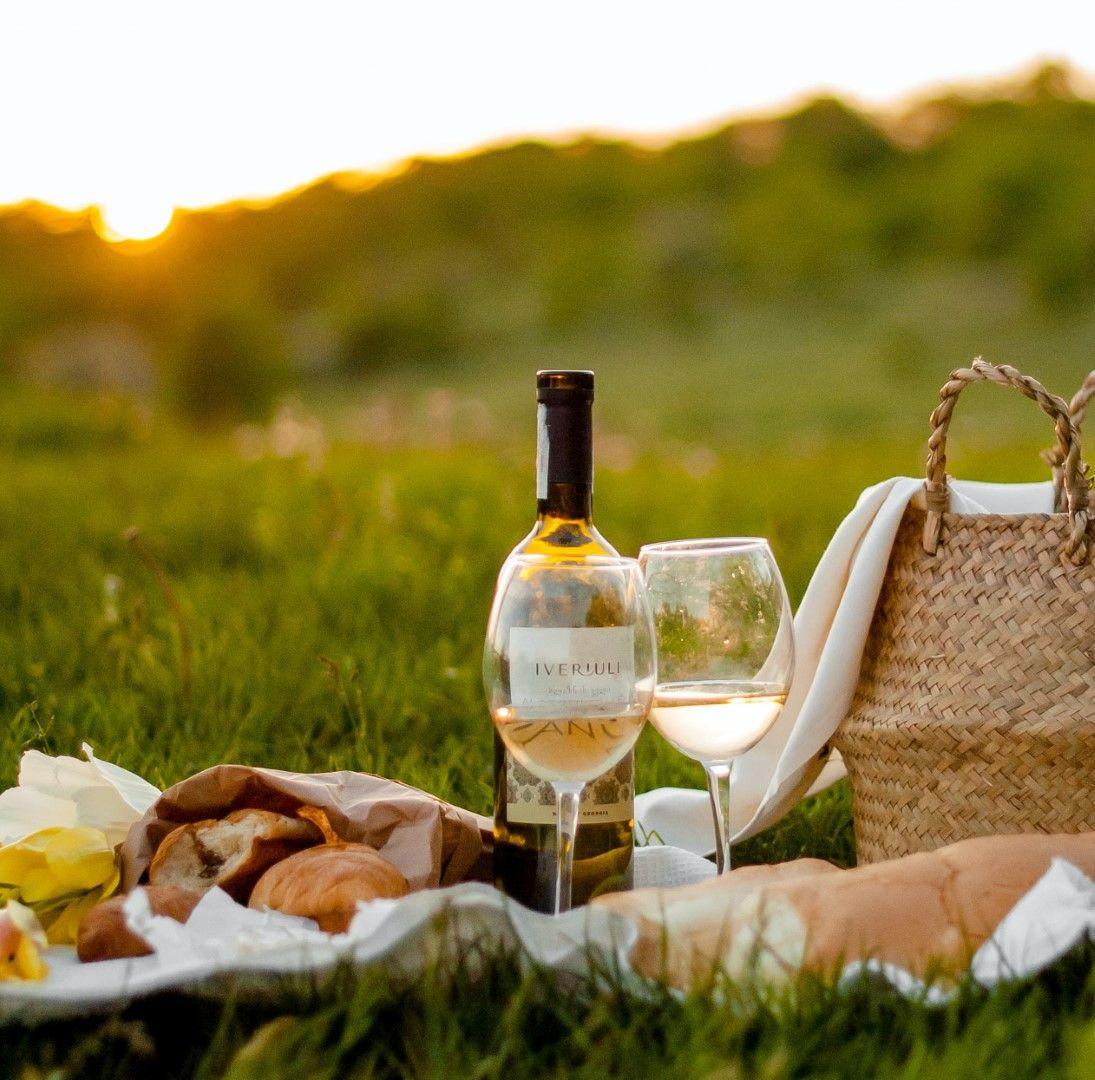 Пикник по залез