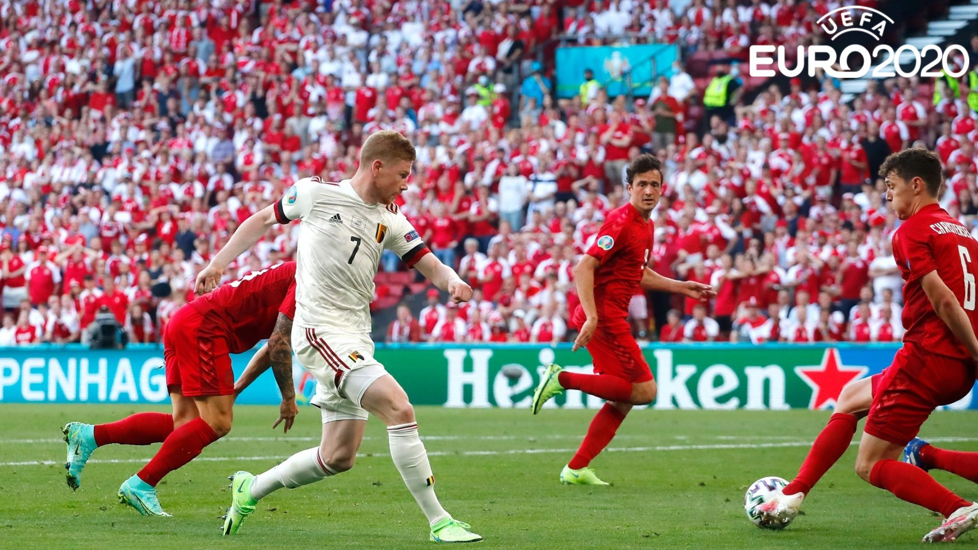 Дания даде всичко от себе си, но Лукаку и Де Бройне пратиха Белгия напред
