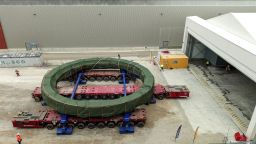 Най-мощният в света магнит ще помага за направата на токамак