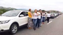 """Километрична опашка на """"Кулата"""" на път за Гърция, чакащи играха хоро (снимки, видео)"""