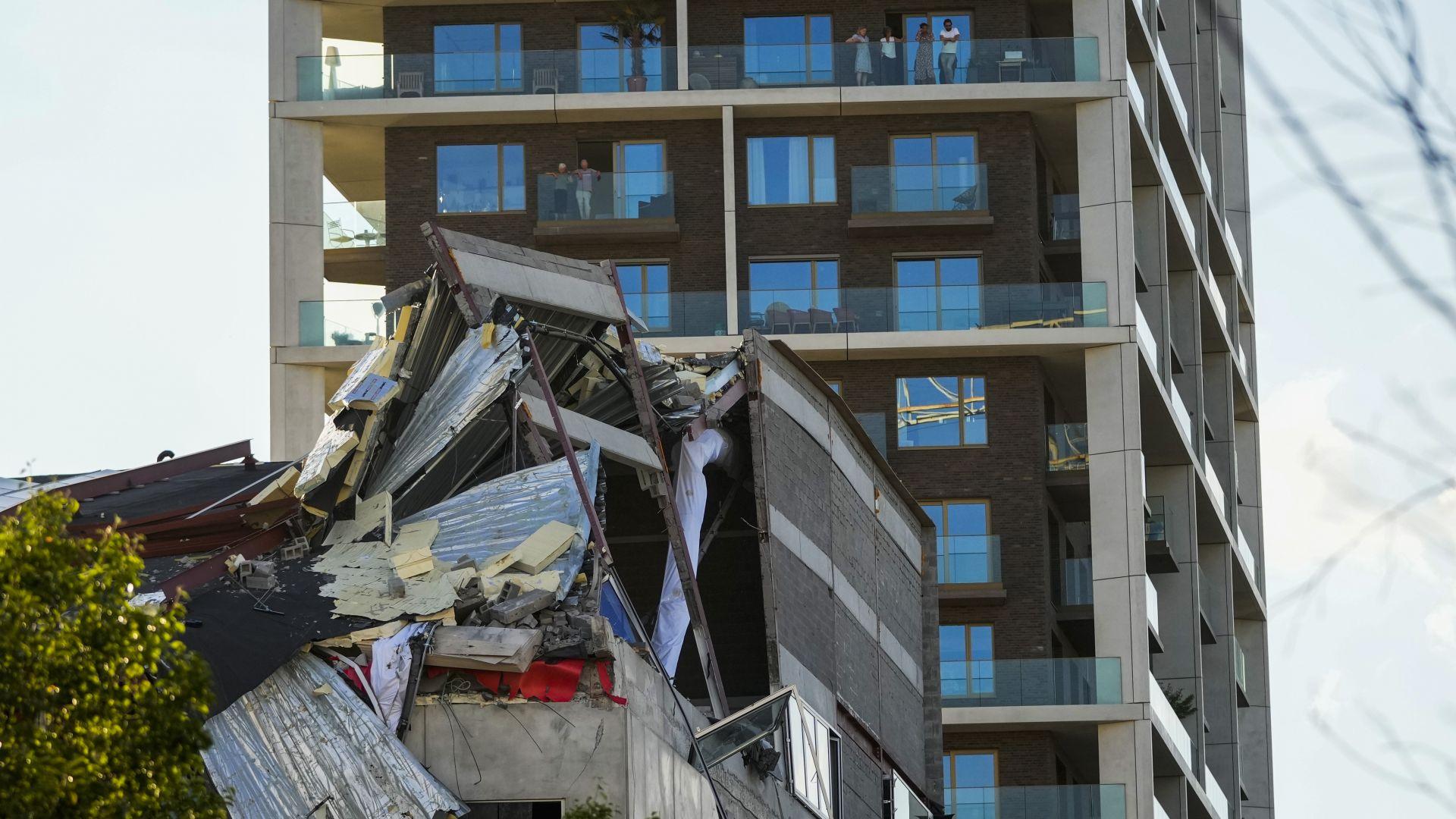 Строяща се училищна сграда се срути в Антверпен, има жертви и ранени