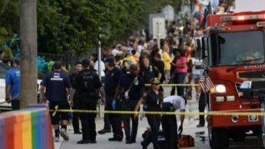 Камион се вряза в гей парад в САЩ, един човек почина на място, друг е тежко ранен (снимки/видео)