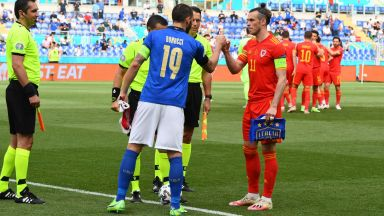 Италия - Уелс 0:0 / Швейцария - Турция 2:0 (следете на живо)