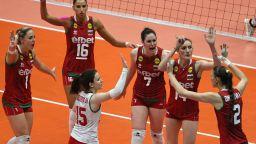 Волейболистките ни зарадваха Русе и за втори път спечелиха Златната лига