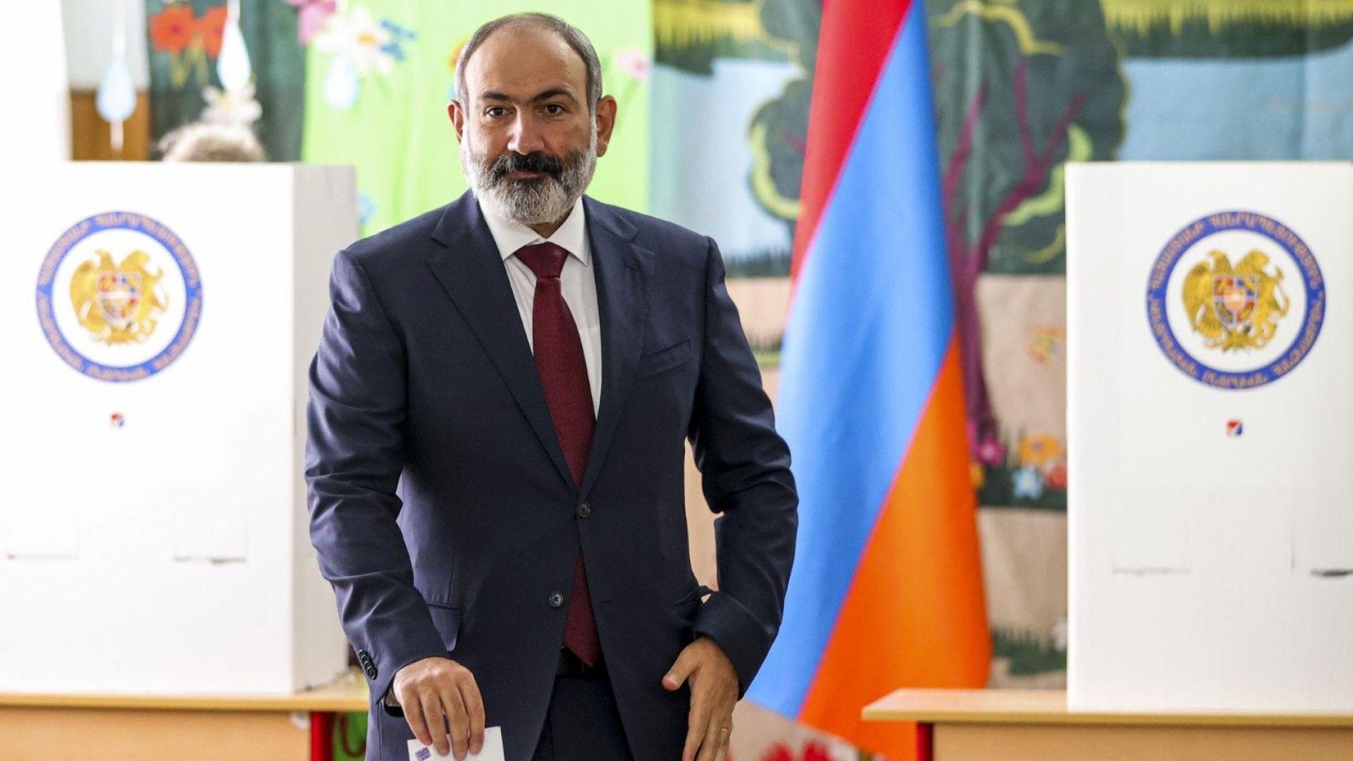Въпреки протестите и прогнозите Пашинян печели с огромна преднина вота в Армения