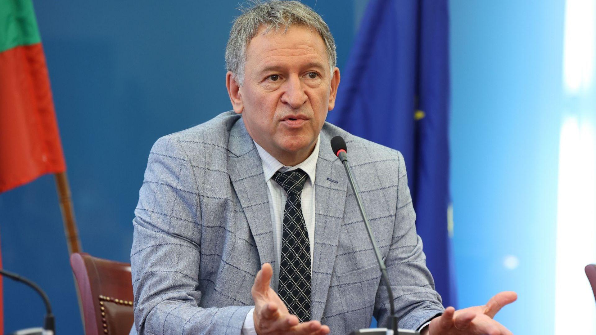 Ако му разрешат реформа, Кацаров може да остане и редовен здравен министър