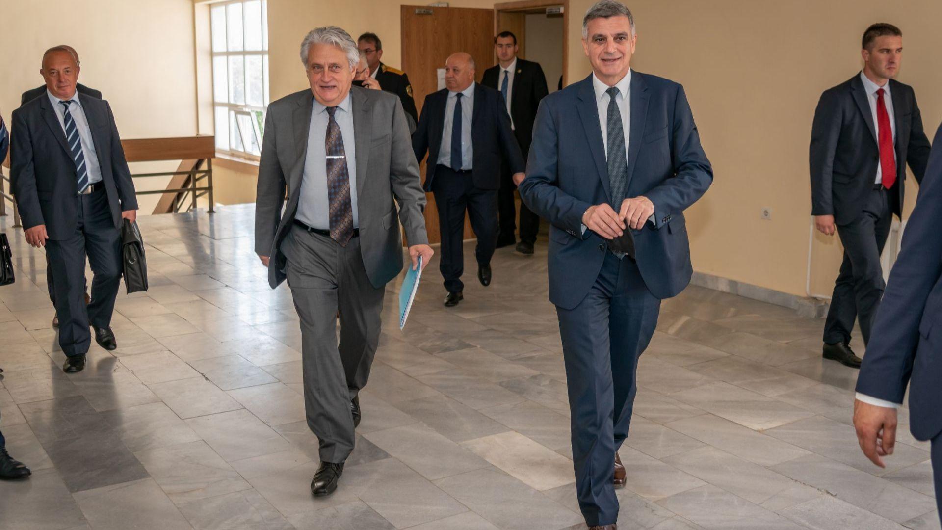 Рашков: Искам МВР да работи на страната на закона