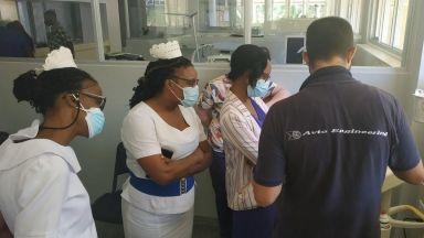 Българска компания доставя животоспасяващо оборудване за майки и бебета в Ямайка