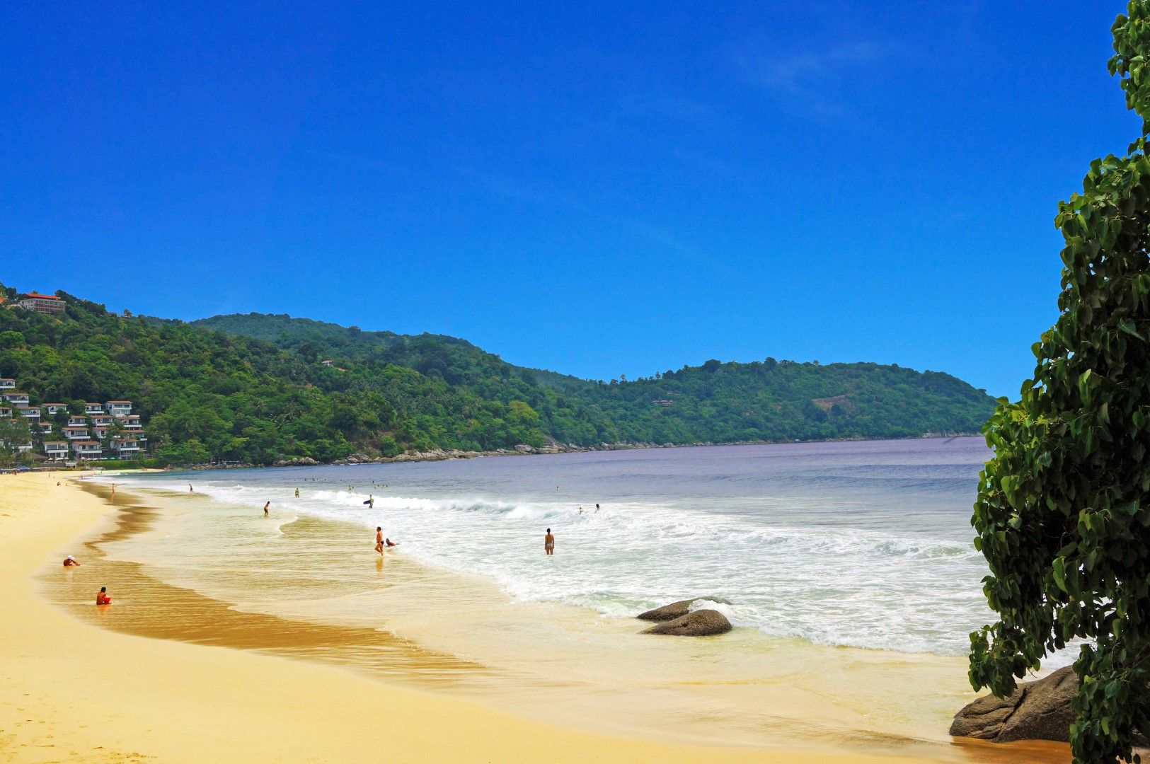 Плажът Ката Ной