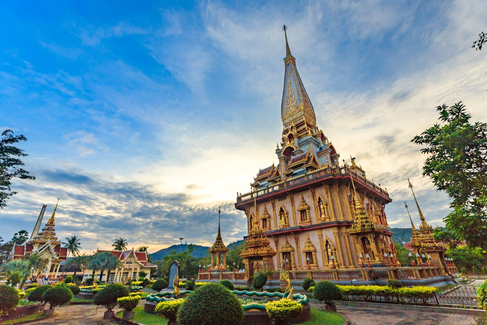 Храмът Чалонг