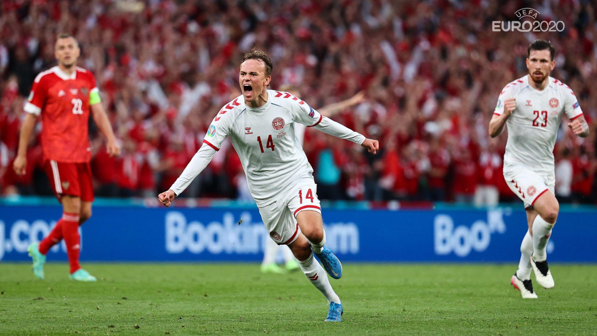 Дания превъзмогна кошмара, разби Русия и стигна осминафинал