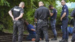 Нападателят и намушканият в тролей 9 се скарали заради неносене на маска