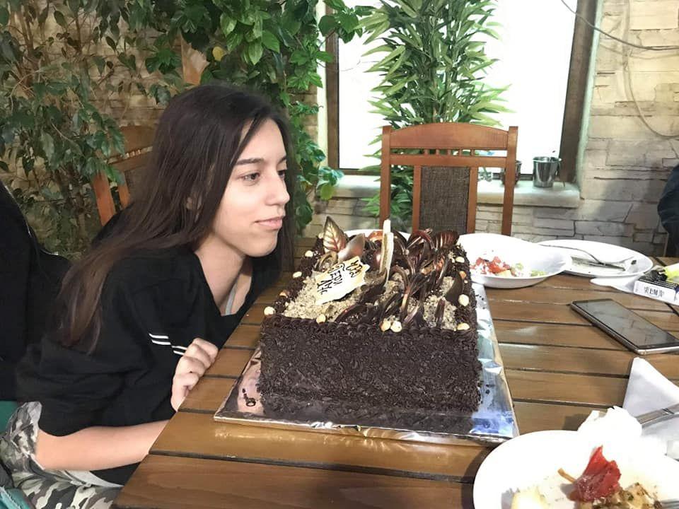 Гери празнува 17-ия си рожден ден