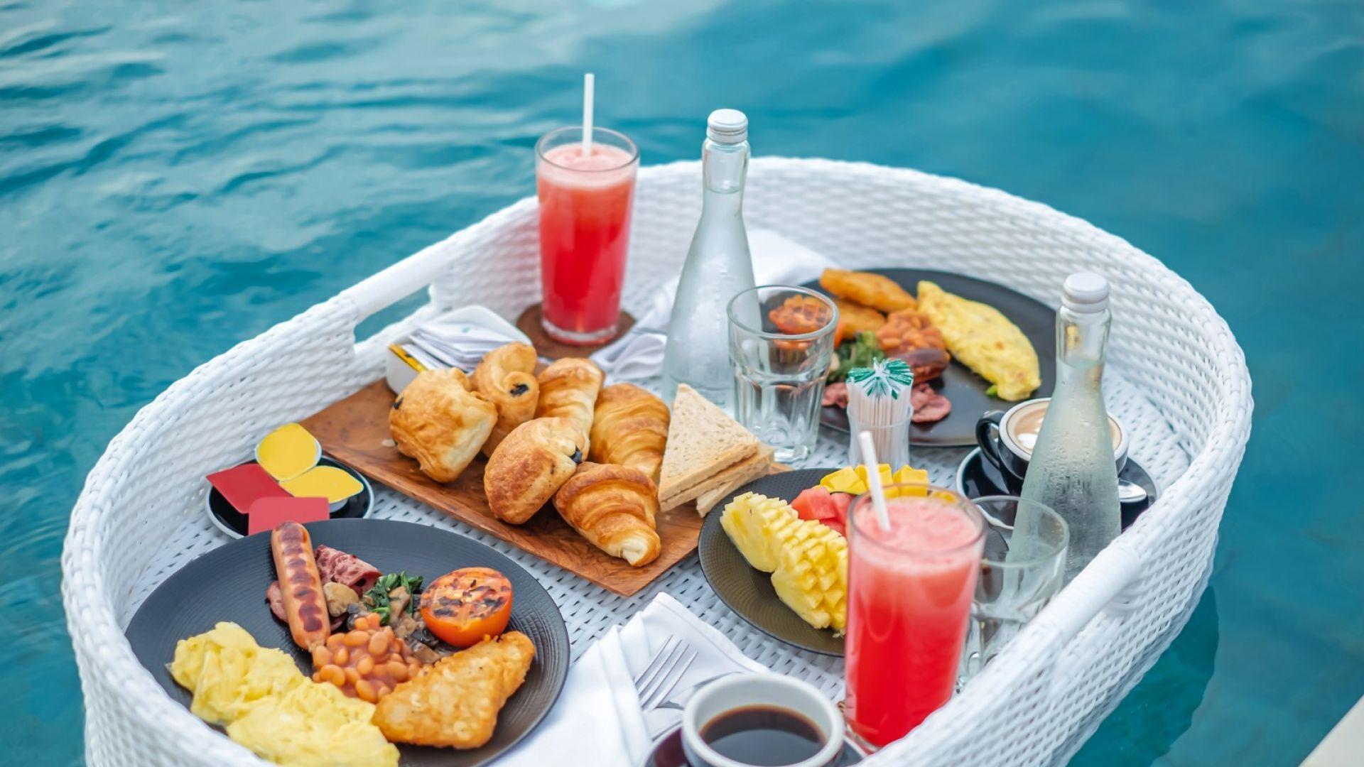 Плаваща закуска - новата мода в луксозните хотели