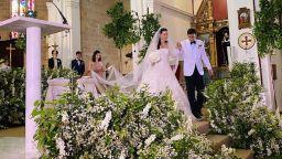 """Наследницата на модната империя """"Fendi"""" се омъжи на остров Ибиса"""