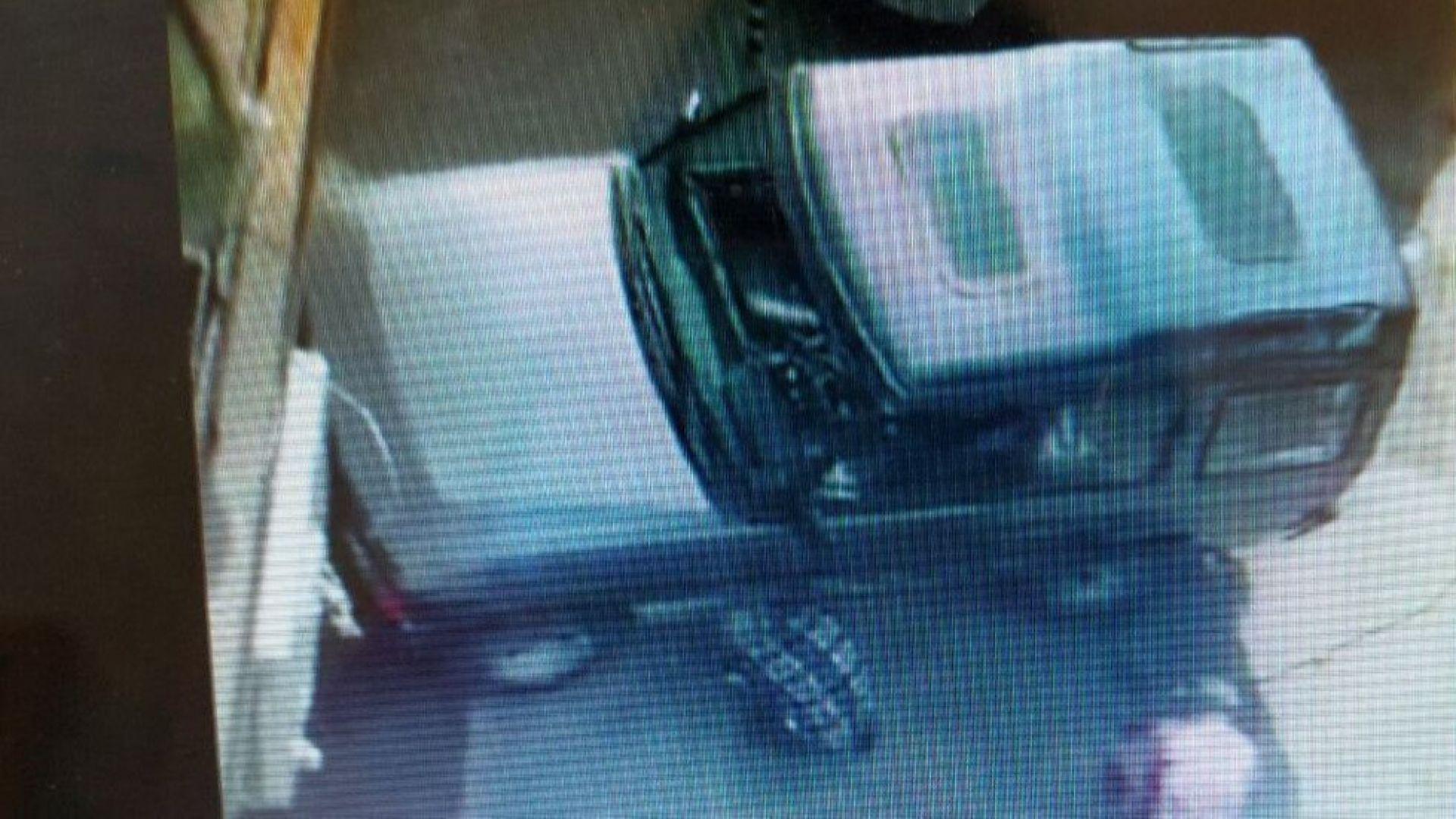 Шофьор отряза колче, за да паркира в София