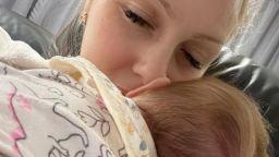 Деси Бакърджиева показа Вивиан, която роди след смъртта на любимия си