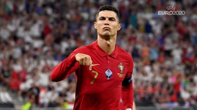След поредния изравнен рекорд, Роналдо получи поздрав от притежателя му