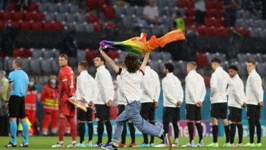 Германия обяви война на УЕФА и развя ЛГБТ знамената