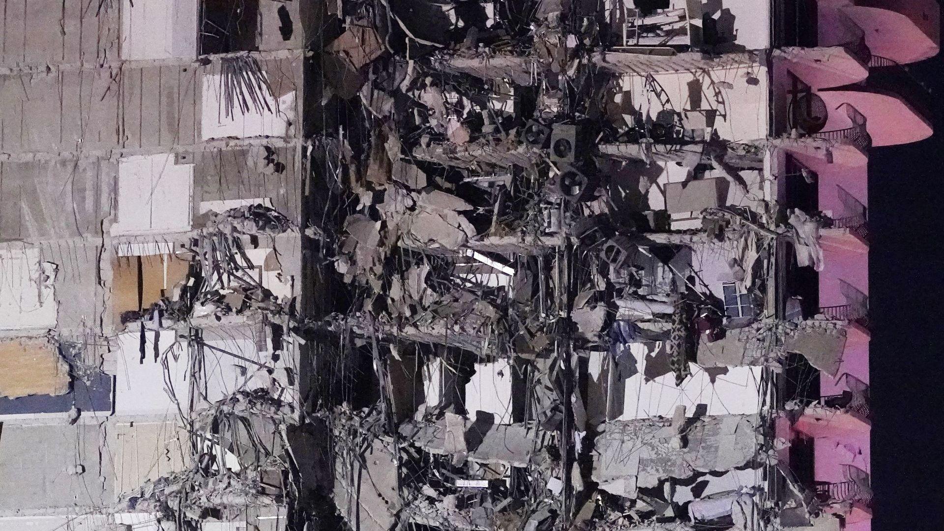 Пета жертва след рухването на сграда във Флорида