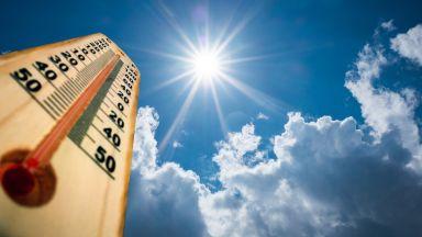 Пътуване в екстремна жега: какво трябва да знаете