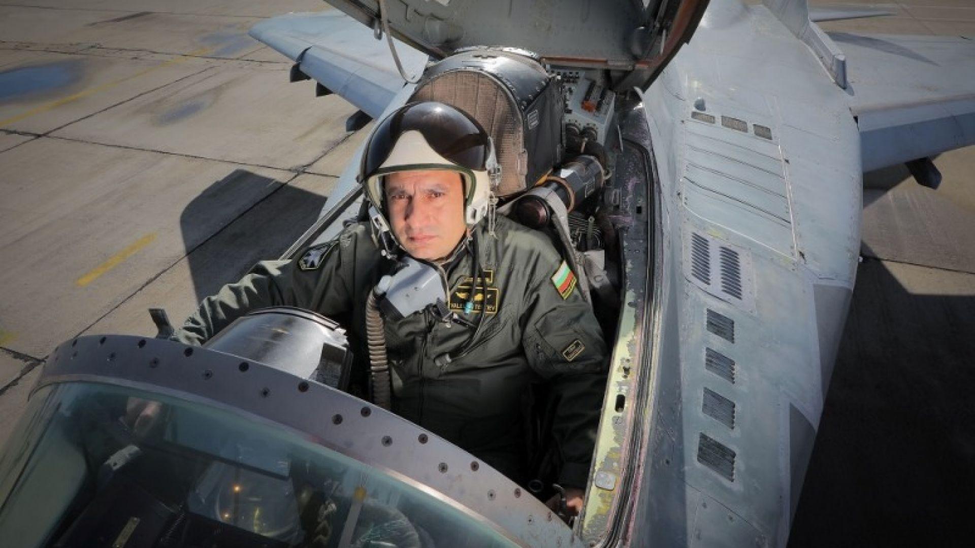 Започна разчитането на черната кутия на падналия МиГ-29, назначават поне 3 експертизи