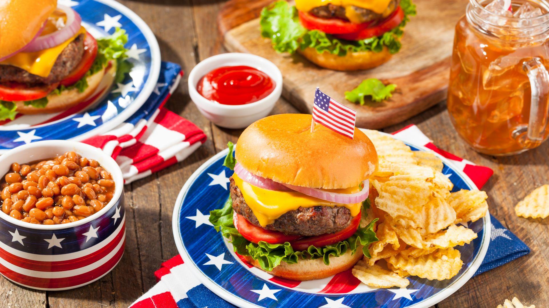 Юли е време за приятели или кога можем да ядем хамбургери на корем!