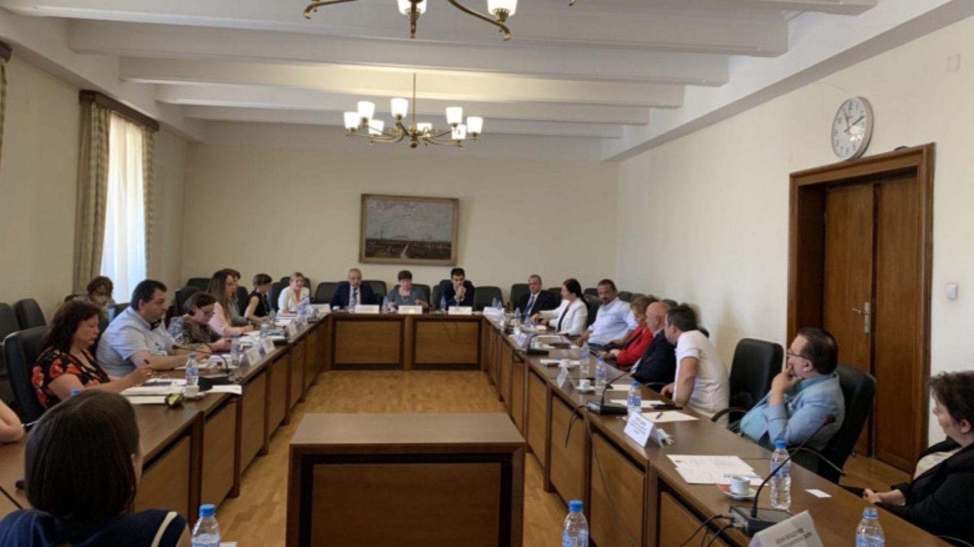 Министри обещаха на туристическия бизнес помощта да продължи