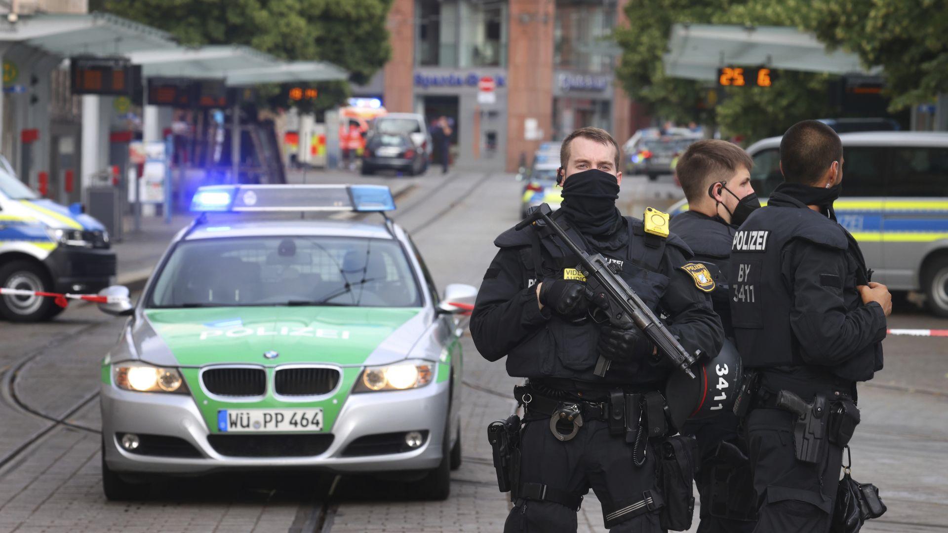 Жертви и ранени след нападение с нож в германския град Вюрцбург (видео)